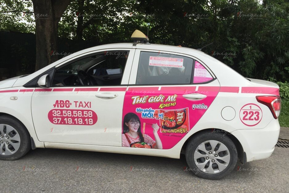 Koreno quảng cáo trên taxi